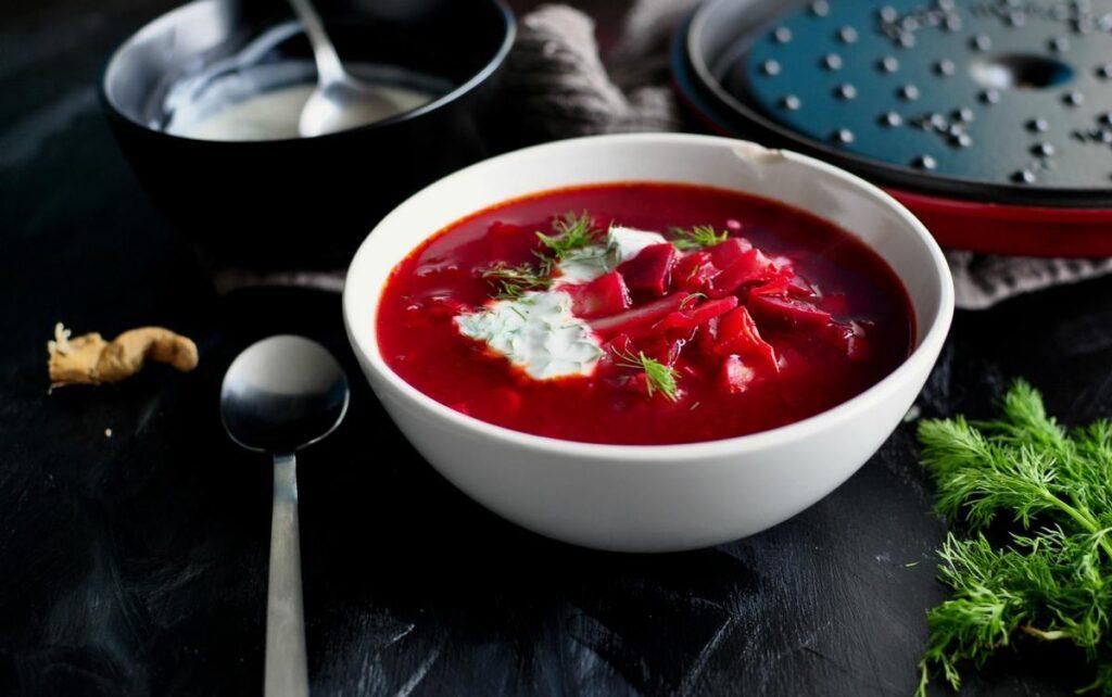Борщ 红[菜]汤 hóng[cài]tāng, 罗宋汤 luósòngtāng