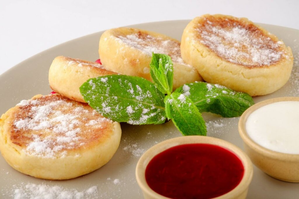 Сырники 奶渣饼 nǎizhābǐng